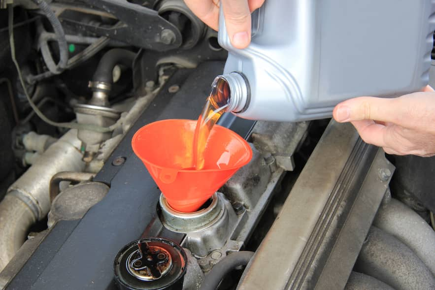 5 Common Car Maintenance Mistakes You Should Avoid-oil-check